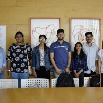 Cinco estudantes hindús abren a colaboración co  Anand International College of Engineering
